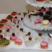 Cupcakes mit Obst-Torteletts